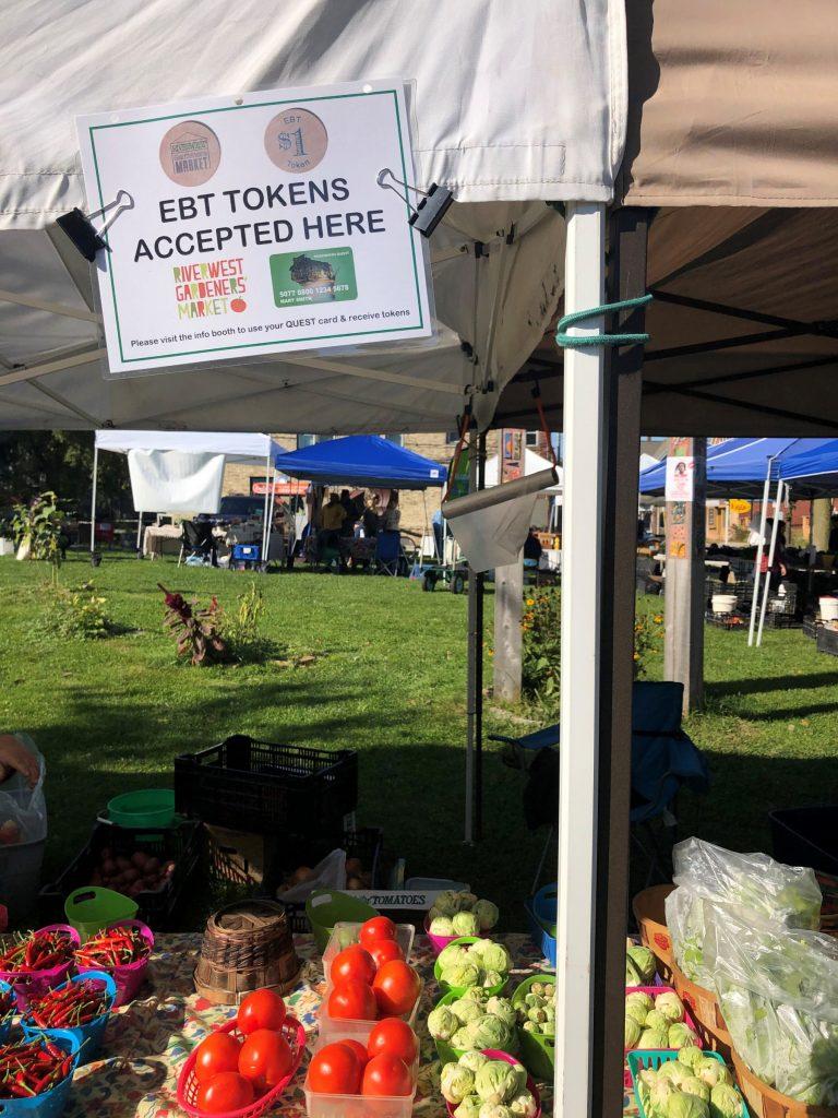 Farmers Market tents that take SNAP benefits
